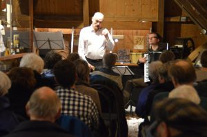Bas/bariton Cees Vermandel en accordeonist Gertie Bruin in Woldzigt Roderwolde