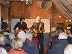 muzikanten Meert Moand Dialect Moand in het Graanmuseum van Olie- en Korenmolen Woldzigt Roderwolde