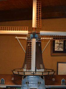 Voorbeeld molen in korte rust stand: model in Olie- en Korenmolen Woldzigt -Roderwolde