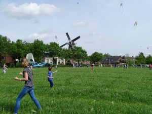 vliegerfeest bij Olie- en Korenmolen Woldzigt - Roderwolde